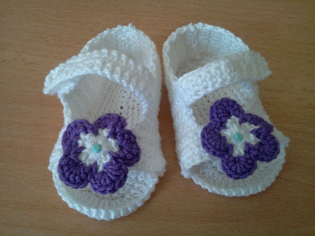 tuto crochet chaussons bebe. Black Bedroom Furniture Sets. Home Design Ideas