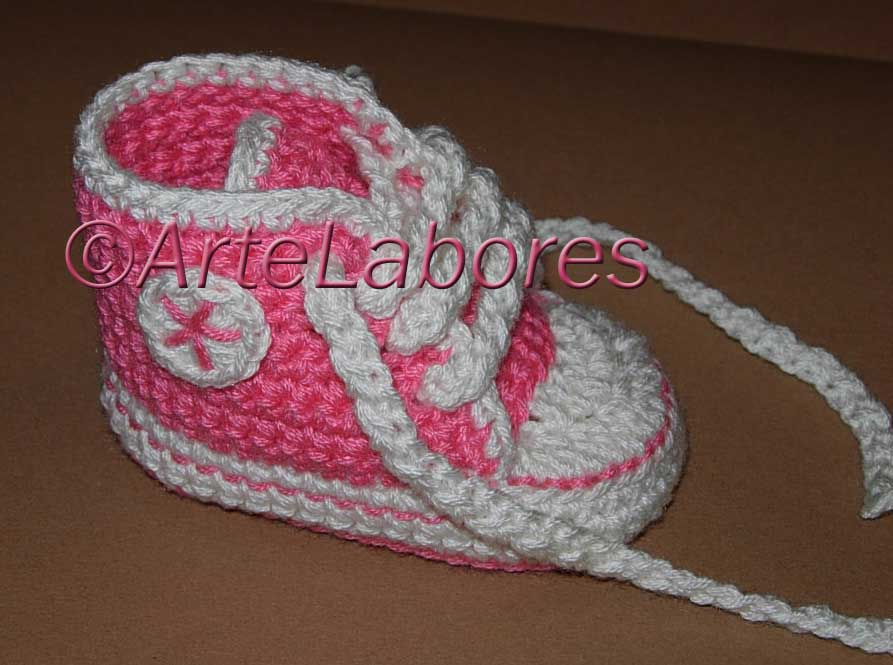 Atractivo Patrón De Crochet Zapato Converse Inspiración - Manta de ...