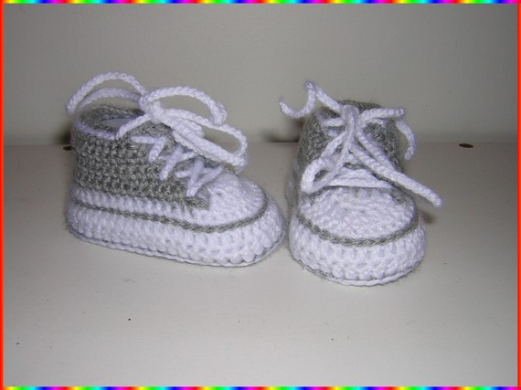 modele crochet chaussons bebe. Black Bedroom Furniture Sets. Home Design Ideas