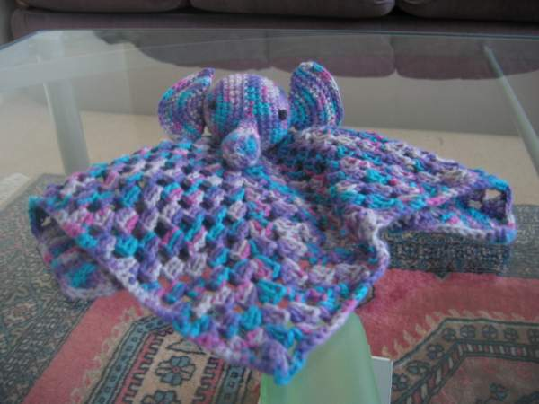 modele crochet gratuit doudou. Black Bedroom Furniture Sets. Home Design Ideas
