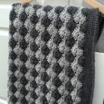 grille crochet plaid