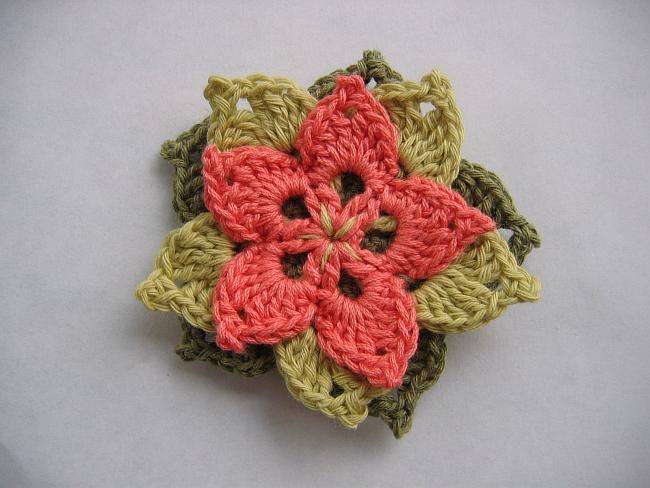 tuto crochet fleur facile 1. Black Bedroom Furniture Sets. Home Design Ideas