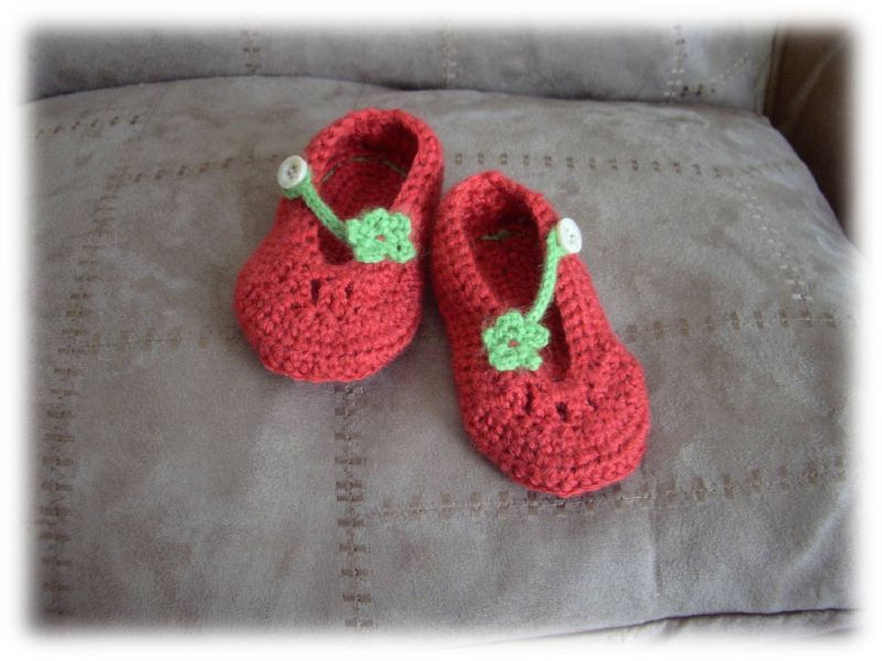 tuto crochet chaussons bebe 7. Black Bedroom Furniture Sets. Home Design Ideas